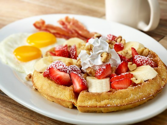 Longmont, CO: Strawberry Banana Waffle