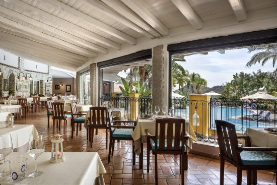 Cruccuris Resort Photo