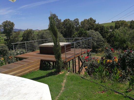 Wellington, Republika Południowej Afryki:  Jacuzzie with view on winelands