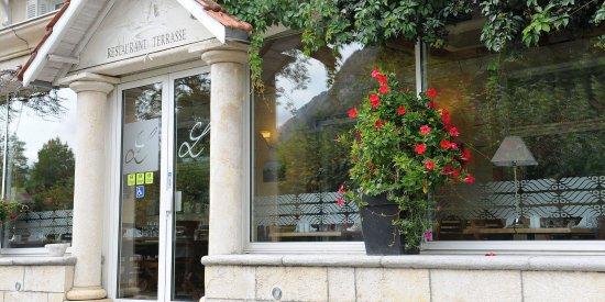 Bielle, Francia: Facade hôtel Ayguelade