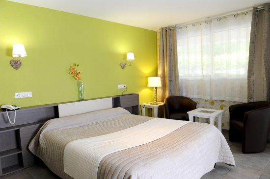 Bielle, Francia: Chambre Confort + triple en rez-de-chaussée