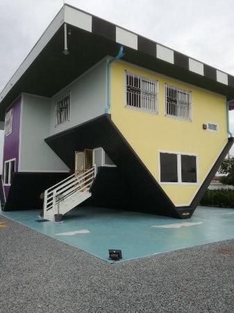 Upside Down House Pattaya: Upside Down House