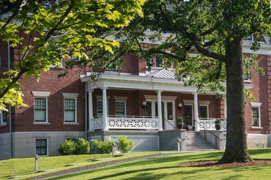 Aurora, NY: Wallcourt Hall