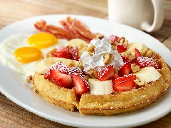 Lakewood, CO: Strawberry Banana Waffle