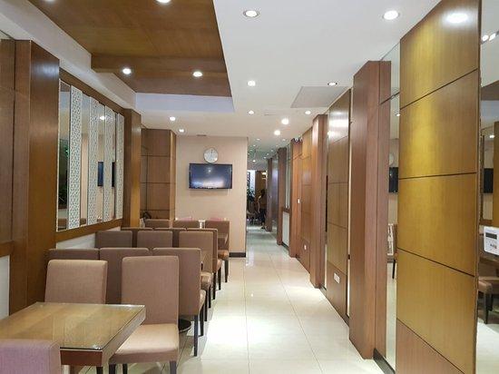 Golden Sun Suites Hotel: 20171111_145926_large.jpg
