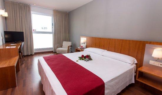 Hotel Sercotel AG Express Elche: Habitación cama de matrimonio
