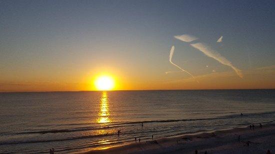 Doubletree Beach Resort by Hilton Tampa Bay / North Redington Beach: 20171120_172506_large.jpg
