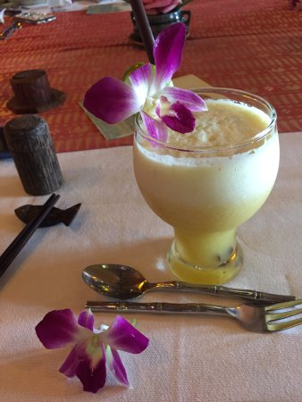 Madame Butterfly: pineapple juice