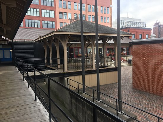 Huntington, Virginia Barat: Heritage Station
