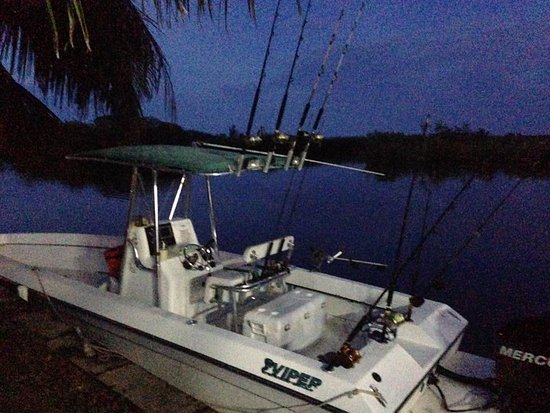 Placencia, Belice: There Boat