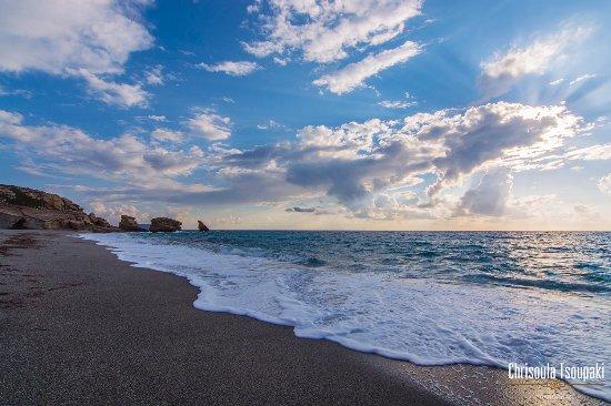 Frangokastello, Grecja: Triopetra beach. All-day trip. Visit us all the year. Explore South Crete from Liviko apartments