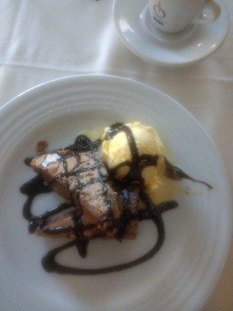 Restaurante aladro en san sebasti n de los reyes con - Cocinas san sebastian de los reyes ...