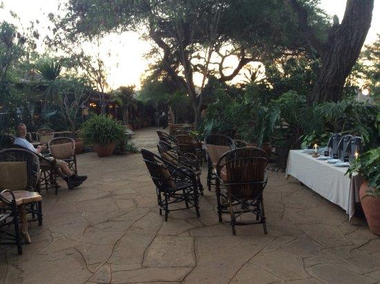 Kibo Safari Camp: 5:30 vor der Safari gibt es Kaffee oder Tee