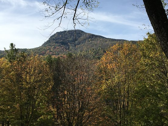 West Jefferson, Carolina del Nord: View from Front Porch or Upper Porch