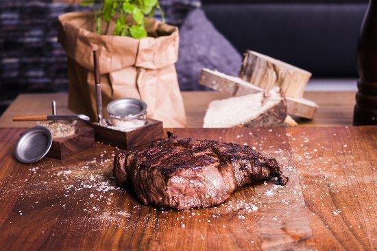 Niedernberg, Germany: Prime Beef