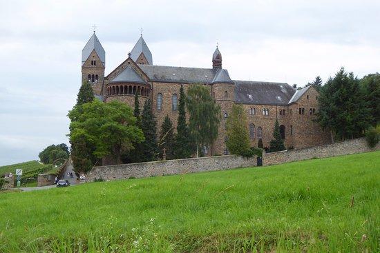 Benedictine Abbey of St. Hildegard: Det magnifika klostret