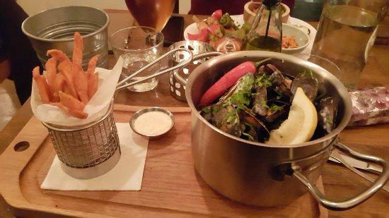 Meze Restaurant: 20171118_202536_large.jpg