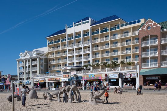 Park Place Hotel: Prime location on beach and boardwalk