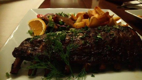 Parigoria, Grecia: pork ribs