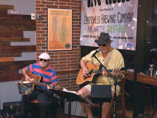 Zephyrhills Brewing Company: Live music on the weekends
