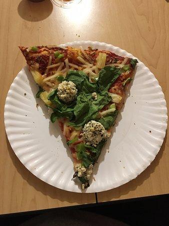 Tijeras, Nuevo Mexico: vegan pizza slice with tofu ricotta and violife cheese