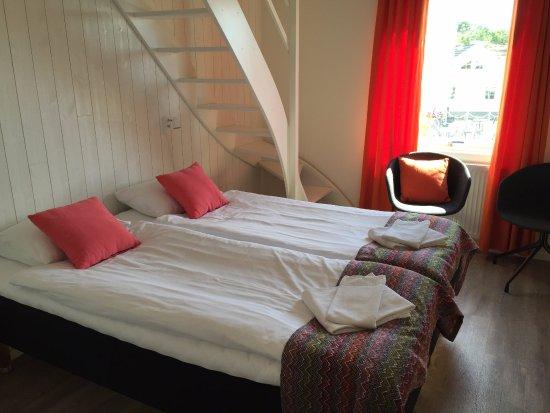 Vastra Gotaland County, Sweden: Nybyggt rum med loft med plats för fler boende.
