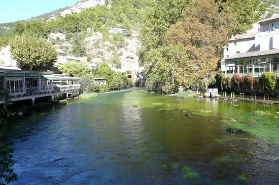 Fontaine de Vaucluse, France: AT THE START BY THE ROAD