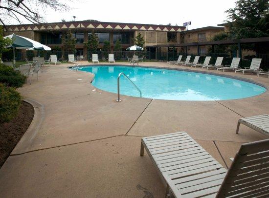 Yakima, WA: Outdoor Pool