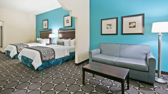 Nogales, AZ: Two Queen Beds Suite