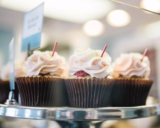 Bel Air, MD: strawberry cupcakes