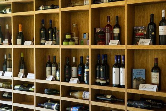 Neustrelitz, Germany: Genießen Sie ausgewählte Weine aus Deutschland und Europa