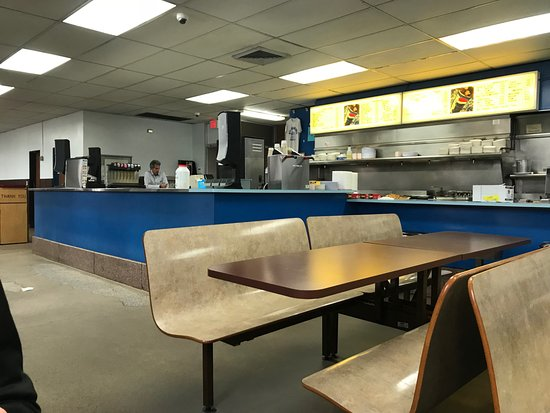Nick Tahou Hots: order counter
