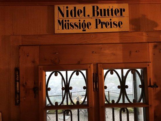Weissbad, Switzerland: Eingangstür zur Gaststube