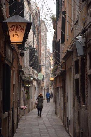 Osteria ai 4 Feri : Calle Lunga S.Barnaba dove si trova l'osteria