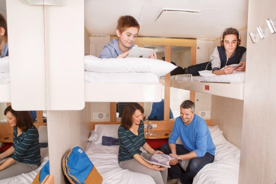 tmk dining experience picture of spirit of tasmania. Black Bedroom Furniture Sets. Home Design Ideas