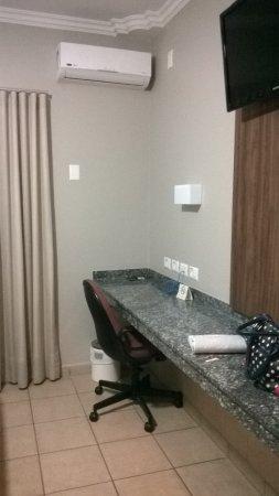 Nova Odessa, SP: Quarto possui ar condicionado, tv e wi fi