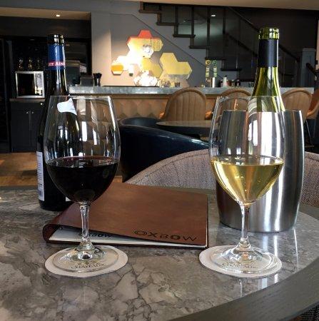 Kensington Riverside Inn: Oxbow Lounge