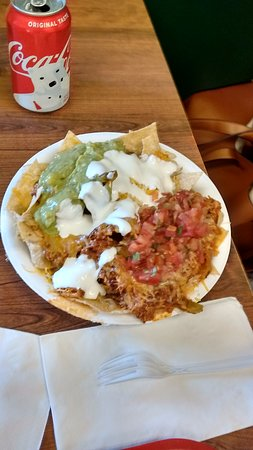 Don Carlos Taco Shop: Super nachos with shredded chicken