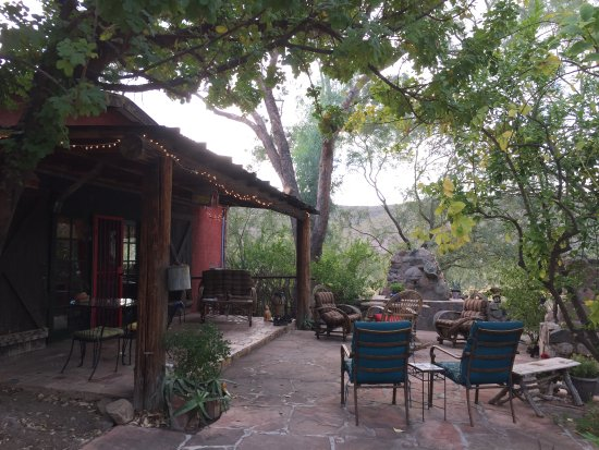 Winkelman, AZ: Garden room patio