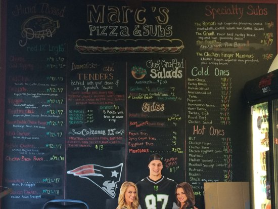 Merrimack, NH: great menu AND THEY'RE PATS FANS! GO, PATS!