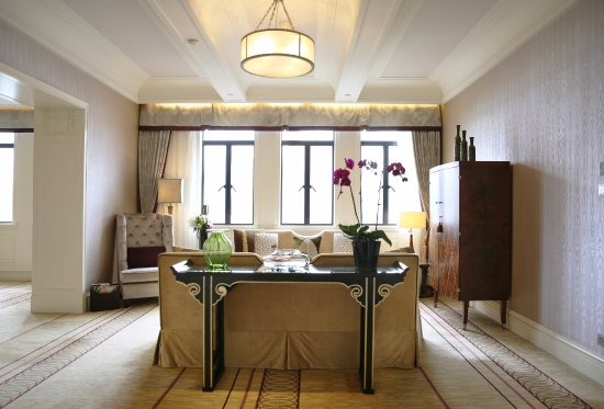 Fairmont Peace Hotel: Signature River View Suite-Living Room