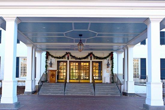 Woodstock Inn and Resort: Inn Entryway