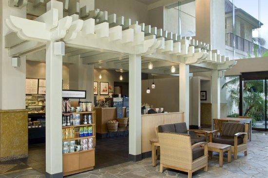 Hilton Hawaiian Village Waikiki Beach Resort: Kalia Tower - Starbucks
