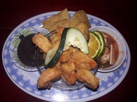 La Virgen, Kosta Rika: Breaded shrimp / Camarones empanizados.