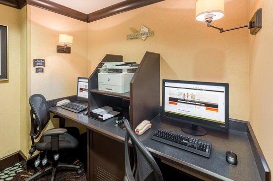 Dunwoody, GA: Business Center
