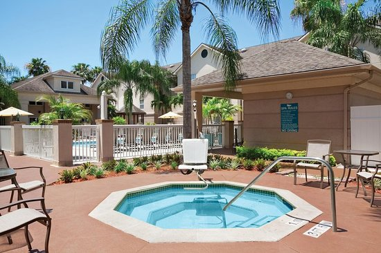 Homewood Suites by Hilton Fort Myers: Pool Spa Tub