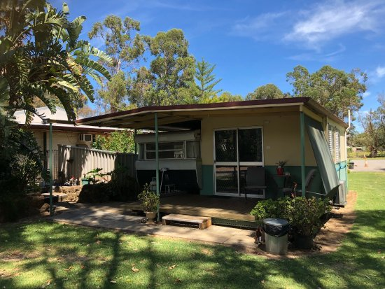 Harvey, Australien: Top overnight value for money camp in peaceful garden surroundings.