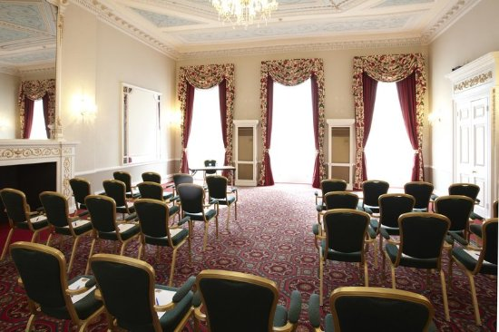 DoubleTree by Hilton Hotel London - Marble Arch: Bryanston Suite with Theatre Style Seating Arrangement