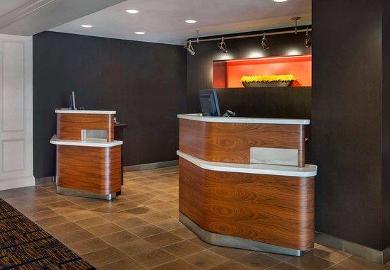 Woburn, MA: Welcome Pedestals