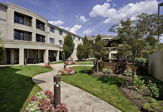 Wall Township, Nueva Jersey: Outdoor Courtyard